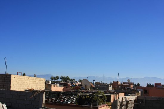 Riad Kasbah 117 Marrakech : View from the roof terrace - you can see the Atlas Mountains - just