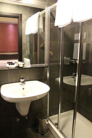 Hotel Five: Il bagno