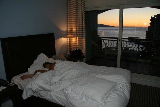 Columbus Monte-Carlo : Il est l'heure de se lever....