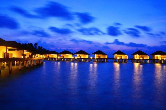 VOI Alimatha Resort: Tramonto dal Pontile Overwater