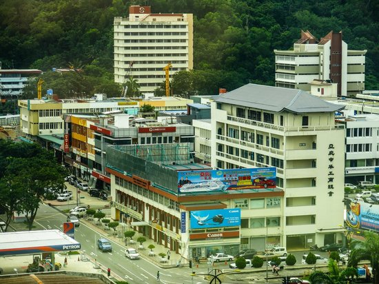 Le Meridien Kota Kinabalu : City views from our room