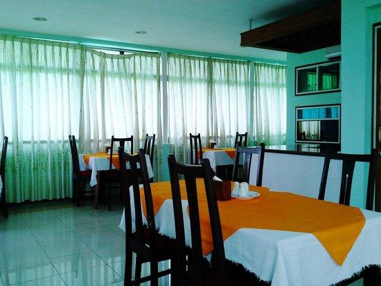 Yangon Yoma Hotel: restuarant