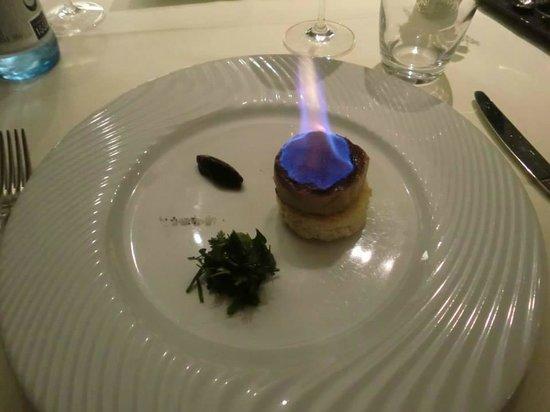 Restaurant Kasbur : Foie gras de canard de Sarlat cuit au torchon brûlé au sucre muscavado, chutney de figue
