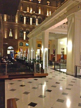 The Westin Sydney: Espace détente dans le Lobby