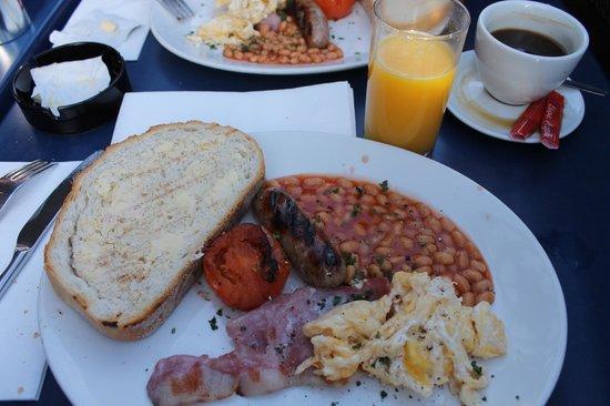 The Wharf: english breakfast