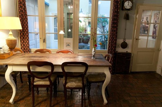 B&B Herengracht 21: Tafel
