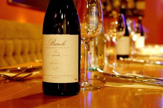 Bella Blu: Barolo wine