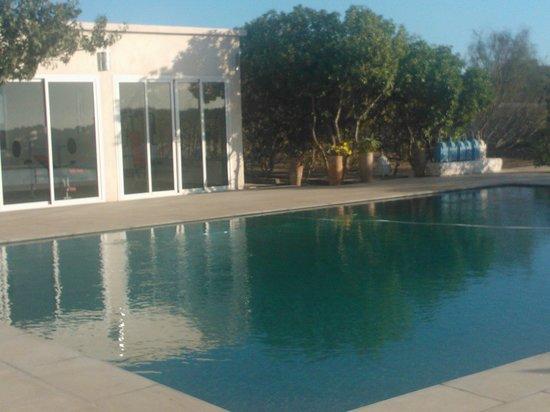 La Maison Essaouira: Piscine et salle de sport