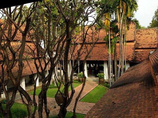 Rachamankha: Hotel Grounsa