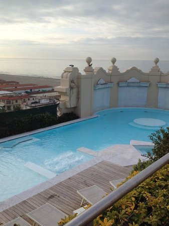 Grand Hotel Principe di Piemonte: Vista panoramica dal terrazzo