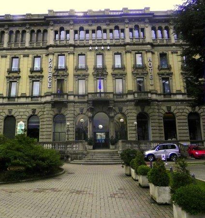 Palace Hotel: Zufahrt