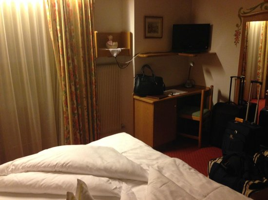 Hotel Sonnenhof - St Vigil in Enneberg, Dolomiten: camera romantic