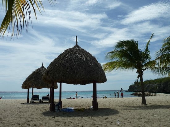 Daaibooi Beach: Nice places to stay in the shadow