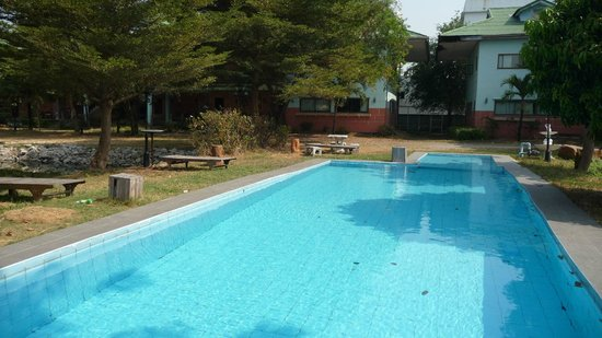 13 Coins Airport Grand Resort: la piscine