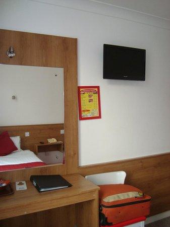 Maple Hotel: Room 11