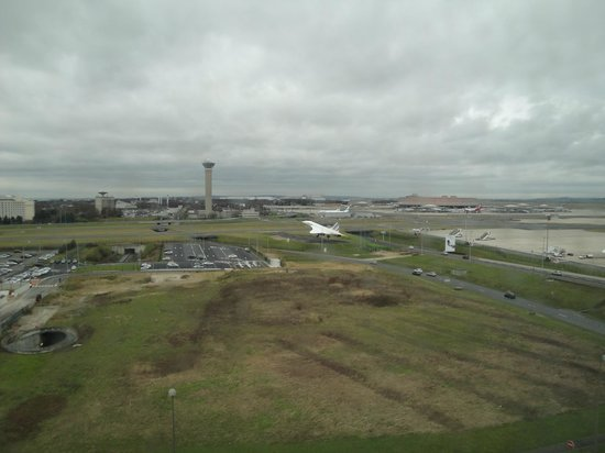 Hilton Paris Charles de Gaulle Airport : Concorde as seen from hotel