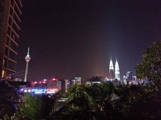 Berjaya Times Square Hotel, Kuala Lumpur : View from the poolside terrace