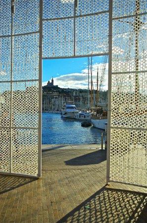 Alter Hafen (Vieux Port): At Quai des Belges