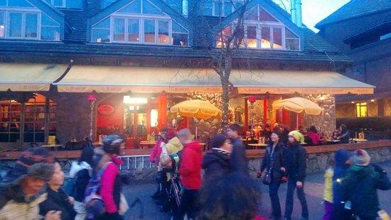La Brasserie des Artistes: L'esterno