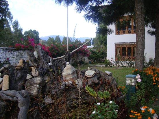 Damchen Resort: Jardin