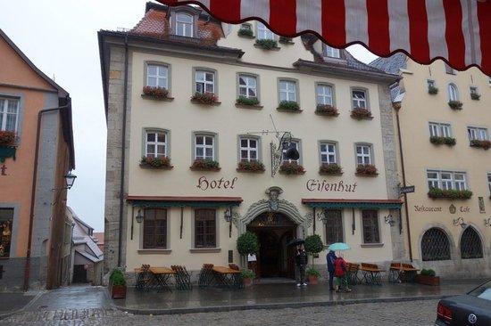 Hotel Eisenhut: Street view