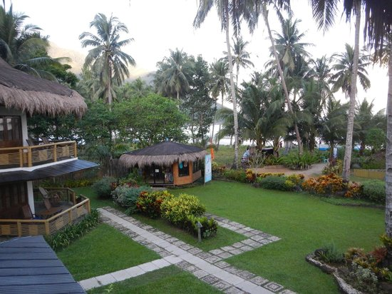 Daluyon Beach and Mountain Resort : View of grounds from deck