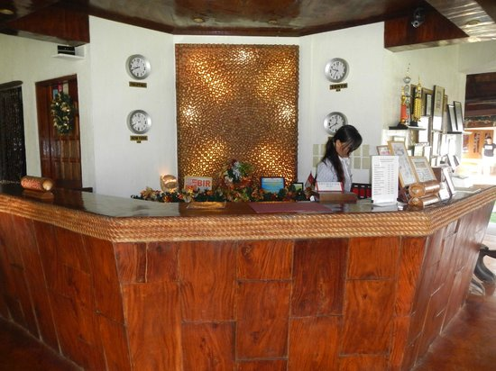 Daluyon Beach and Mountain Resort : Front Desk