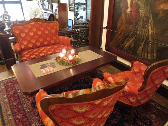 Stadtkrug Hotel : Lobby