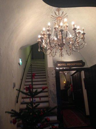 Stadtkrug Hotel : Beautiful stairway