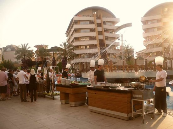 Alaiye Resort & Spa Hotel: Dinner at hotel