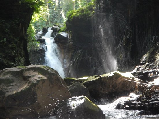Hidden Valley Tour (Manila): Natural Waterfall