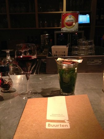 Buurten: Red wine and mint tea