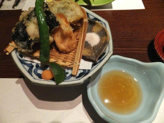 Kikuya: 桜海老湯葉巻き揚げ (夕食)