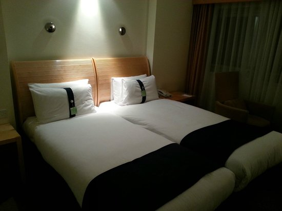 Holiday Inn London - Regent's Park: Beds in room