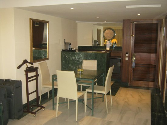 Meliá Salinas: Room 415 Bar Area