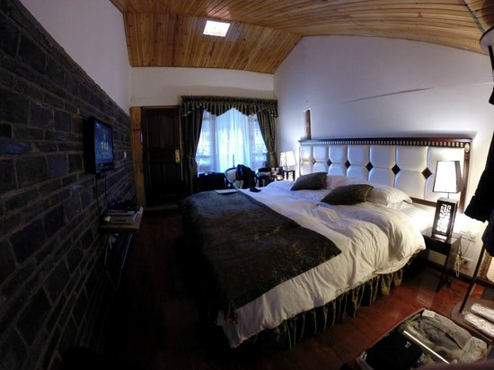 The Bruce Chalet : Upper garden view room