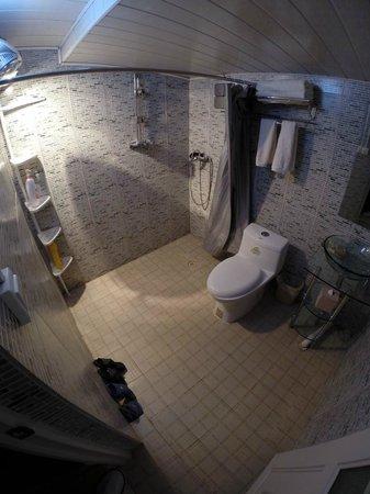 The Bruce Chalet : Bathroom