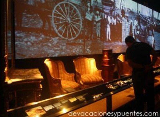 MARQ Provincial Archaeological Museum: Sala dedicada a la provincia a finales del XIX y principios del XX