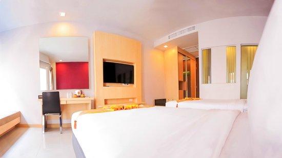 Andatel Grande Patong Phuket Hotel: Superior Twin Room