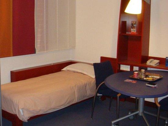 Novotel Suites Geneve: Дополнительное спальное место