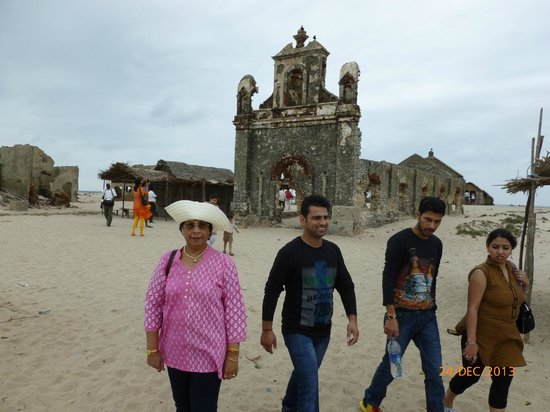 Daiwik Hotels Rameswaram: Old Church at Dhanuskoti