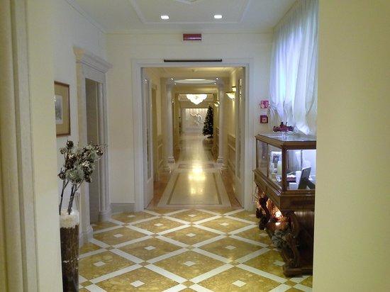 Hotel Terme Tritone Thermae & Spa: corridoio terme
