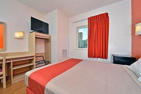 Motel 6 McKinney: Guest Room