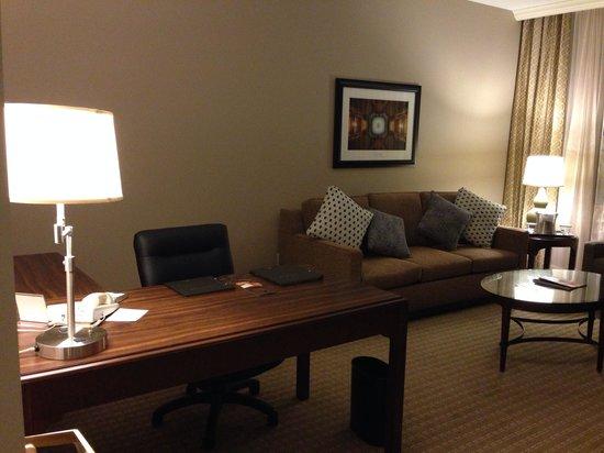 Hilton Indianapolis Hotel & Suites: Room 1013