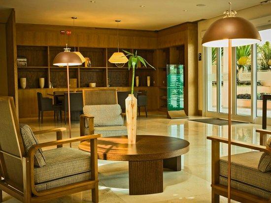 The Palms : Atrium