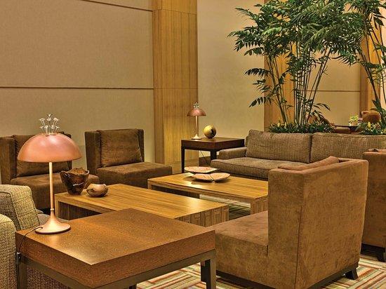 The Palms : Lobby
