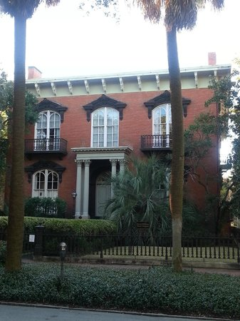 Mercer House Picture Of Southern Strolls Walking Tours Savannah