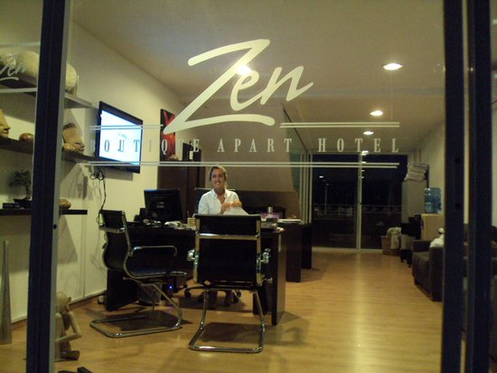 Zen Boutique Apart Hotel: Recepção.