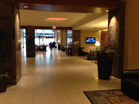 Hilton Indianapolis Hotel & Suites : Lobby