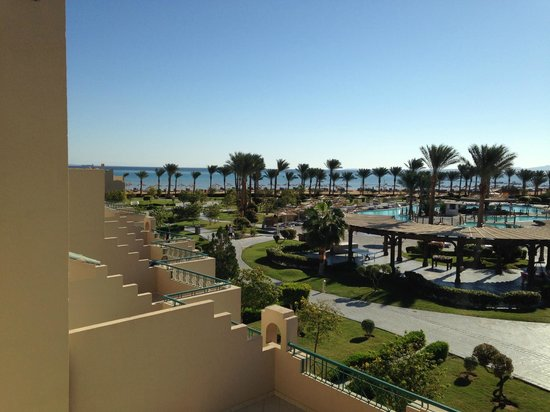 Coral Sea Waterworld Resort: View from room, beach front hotel